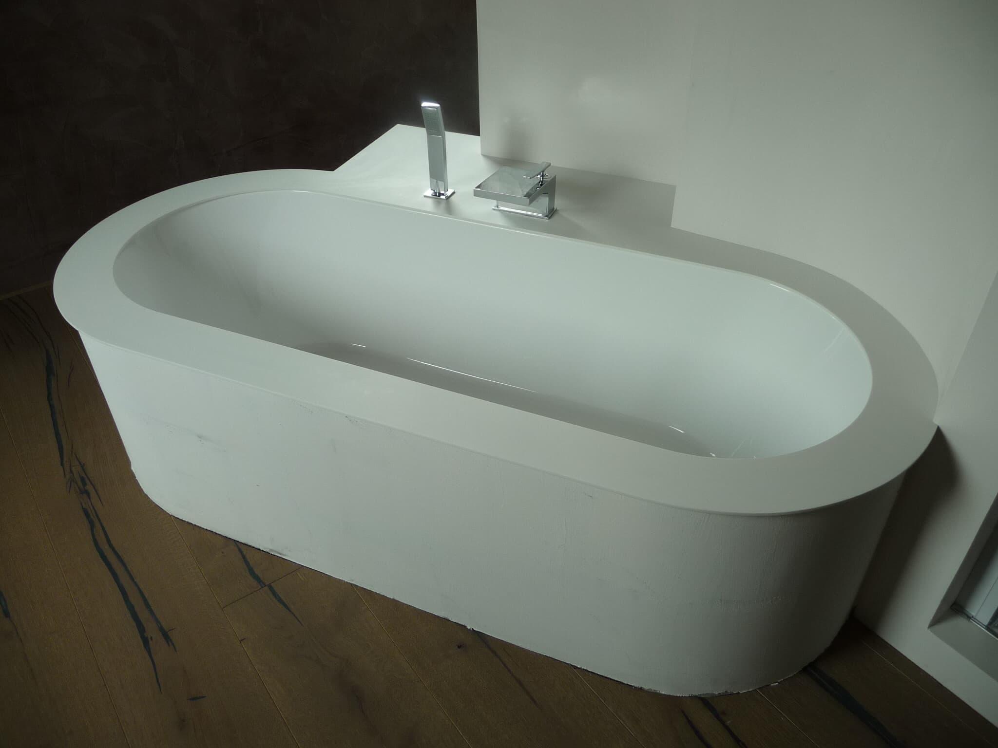 Vasche Da Bagno Varie Misure : Vasche da bagno installazione e manutenzione a venezia