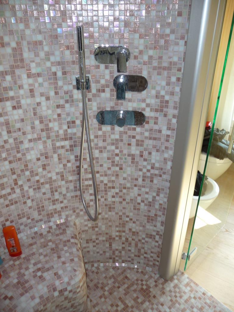 Bagno turco a mosaico a treviso - Mosaico per bagno turco ...